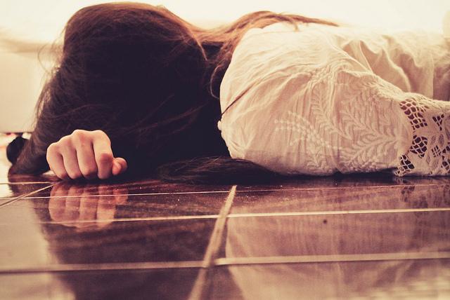 sad floor grief cry