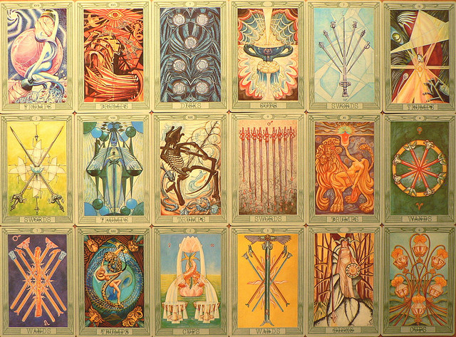 An Insider S Guide To Tarot Amp Other Readings Elephant