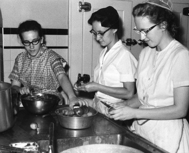 women in kitchen cooking vintage