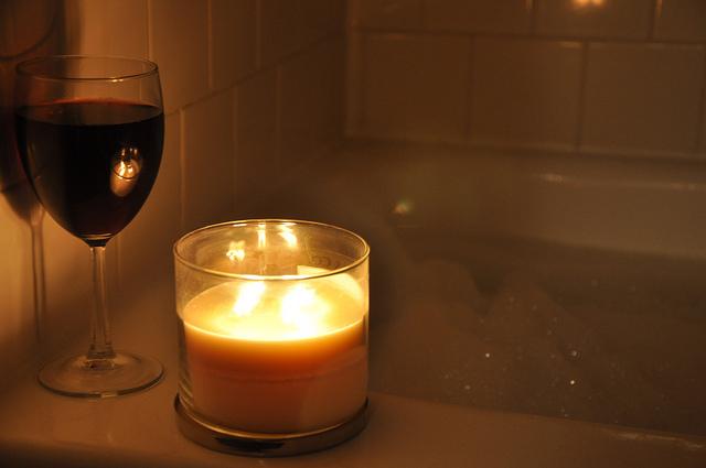 Candles, Bath, Bubbles, wine