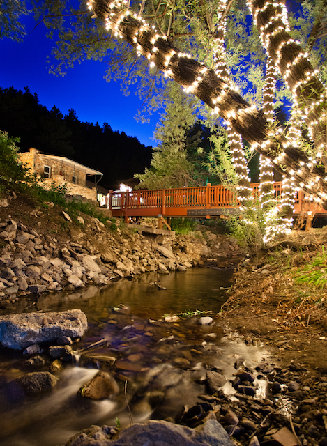 Airbnb Motel Hotel Hostel The Boulder Adventure Lodge