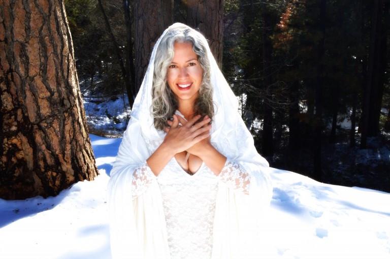 sara-snow-queen-8x510