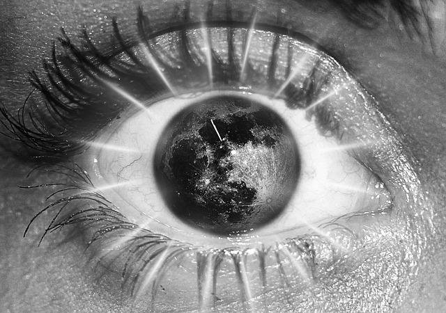 full moon eye