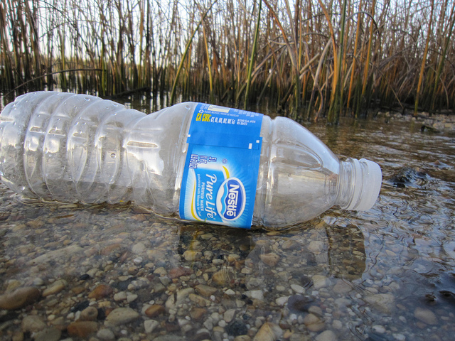 pollution environment plastic water bottle