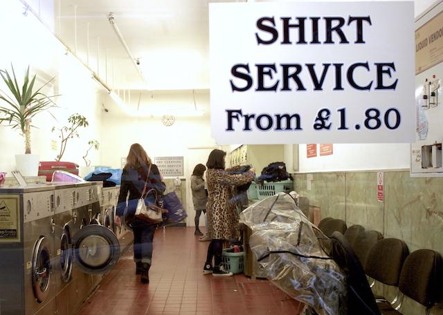 laundrette, laundromat