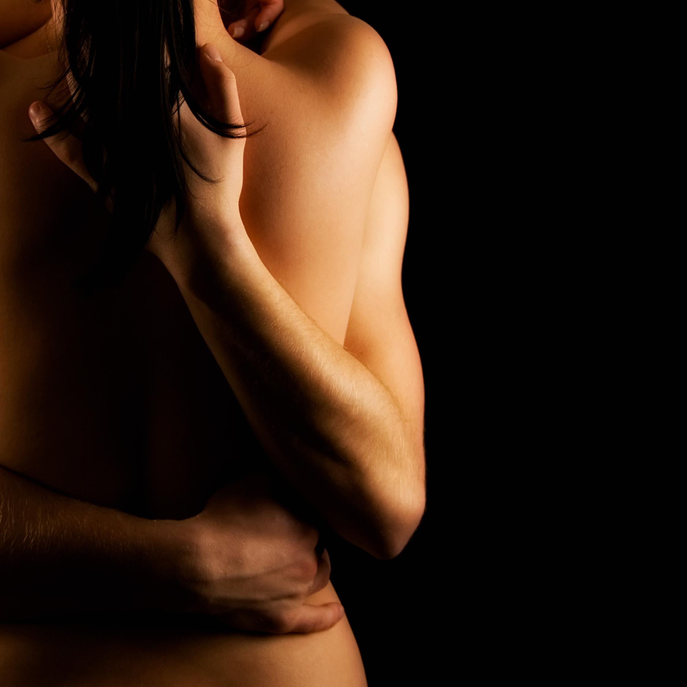 Страстные картинки мужчины и женщины без лиц