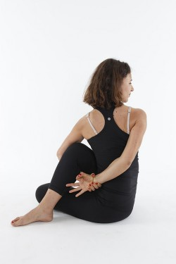 five yoga poses i love five poses i don't  one that