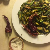 Kurkuri Bhindi: Slightly Addictive Crispy Okra. {Vegan Recipe}