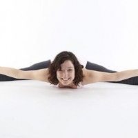 Flowing Into Splits. {Instructional Yoga Video}