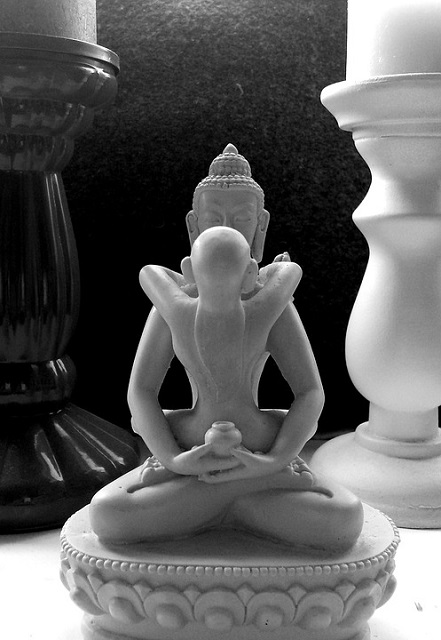 Pixabay: https://pixabay.com/en/statue-tantra-sculpture-asia-art-388896/