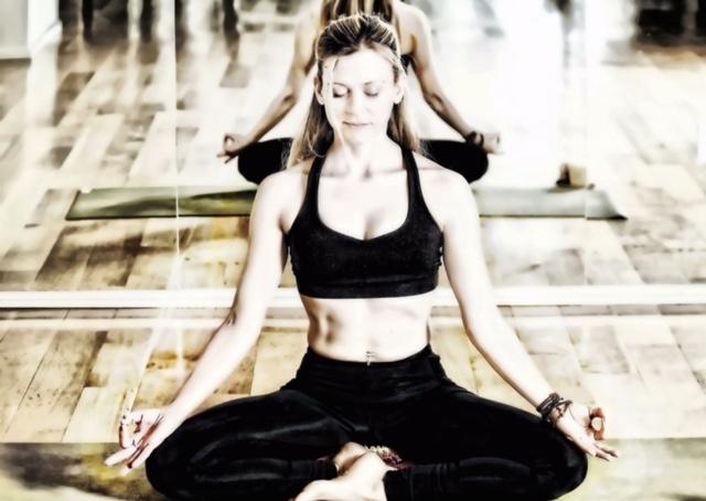 Maria Chassen yoga