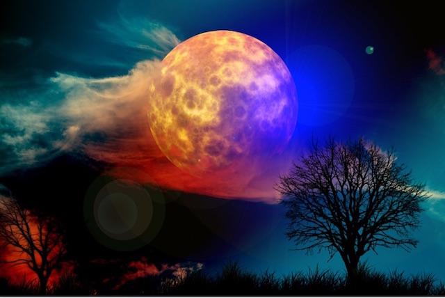 July's Full Moon in Capricorn: The Heart wants what it Wants.