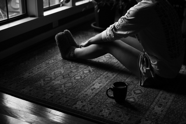 sitting-alone-coffee-girl-peace-quiet-floor-think