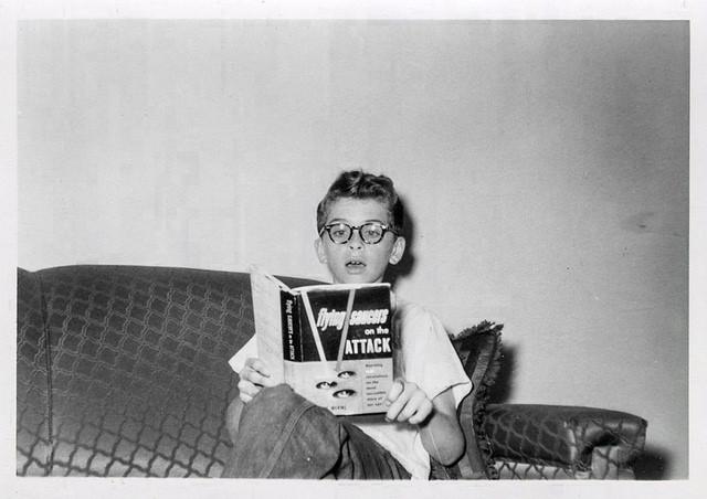 child-read-books-alien