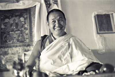 (15495_ng.psd) Lama Yeshe teaching in the gompa (shrineroom) at Kopan Monastery, Nepal, 1974. Photo by Ursula Bernis.