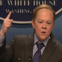 Melissa McCarthy Takes Down Sean Spicer on SNL & it's the Only Thing you Need to See Today.
