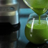 The Benefits of the Green Smoothie. {Bieler's Broth Recipe}